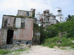 Usine de phosphate à l'abandon sur l'île de Nauru. Crédit: David sur Flickr.